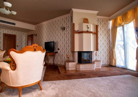 Спа хотел Хисар 4* - нощувка със закуска и вечеря + вътрешни и външни минерални басейни, джакузи, Спа и Релакс център + Уелнес зона!!!