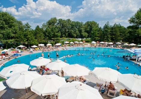 СПА хотел Хисар **** Нощувка със закуска + минерален басейн,детски басейн, Релакс и Уелнес център !!!
