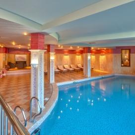 Априлска ваканция в прекрасният Спа хотел клуб Централ **** Хисар! 2 или 3 нощувки със закуски + минарален басейн, джакузи, сауна и парна баня!!!