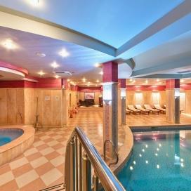 Великден в хотел Централ **** Хисар! 3 нощувки със закуски, вечеря на седми април и Празничен Великденски обяд + минерален басейн и Спа на неустоими цени!!!!