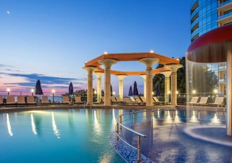 Специална оферта с 15% намаление от хотел и Спа Астера **** Златни Пясъци! Нощувка на база Ultra All inclusive + закрит и открит басейн + детска анимация + чадър и шезлонг на плажа и басейна!!!