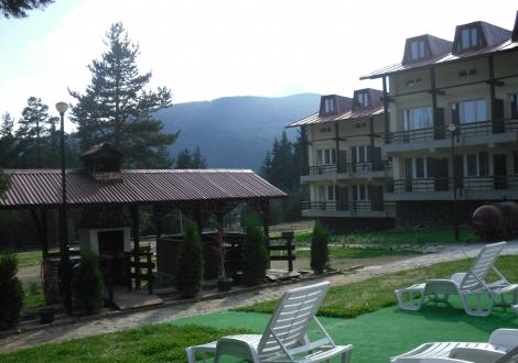 Хотел Бор Семково