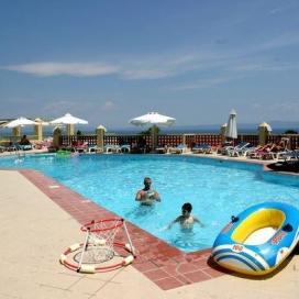 Лято 2020 в Гърция! Оферта за почивка в ХОТЕЛ Daphne Holiday Club, ХАЛКИДИКИ!