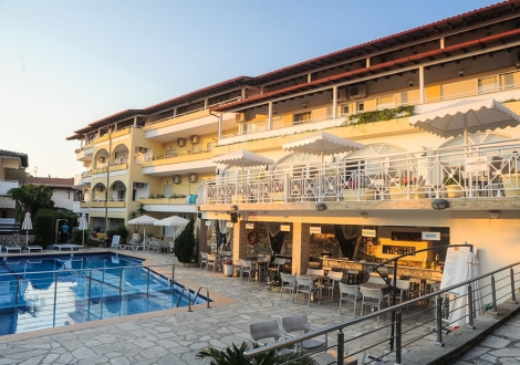 Почивка в Tropical Hotel, на цена от 64.00 лв.