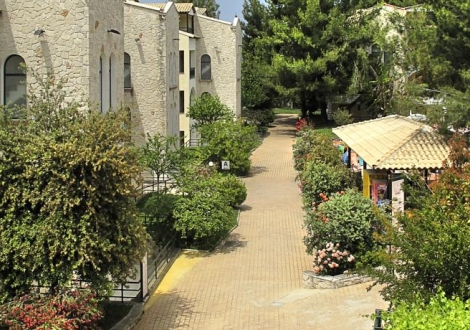 Почивка в Lesse Hotel Chanioti, Chaniotis, на цена от 41.00 лв.