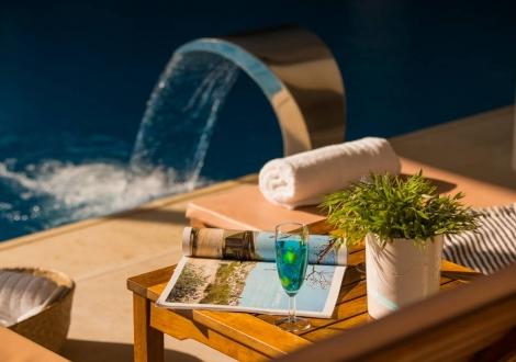 Почивка в Kassandra Palace Hotel & Spa, Халкидики - Касандра, на цена от 58.50 лв.