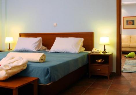 Почивка в Xenia Ouranoupoli, Халкидики - Атон, на цена от 67.70 лв.