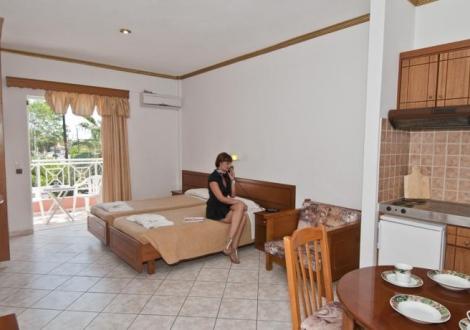 Почивка в Angelina Hotel, о. Корфу, на цена от 30.80 лв.