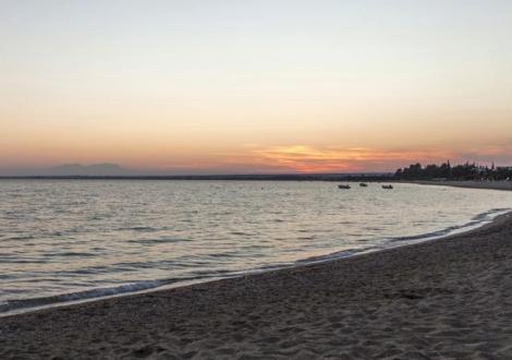 CORAL BLUE BEACH