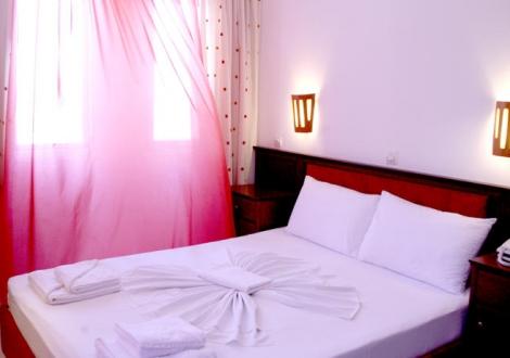 Почивка в Naias Hotel - Chanioti, Халкидики - Касандра, на цена от 43.90 лв.