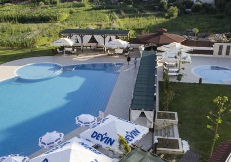 Пълноценна почивка в Хотел Парадайс *** Огняново - ! Нощувка със закуска и вечеря + вътрешен и външен минерален басейн + уникален спа център!