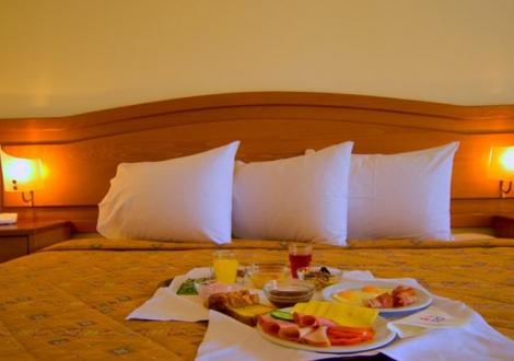 Почивка в Porfi Beach Hotel, Халкидики - Ситония, на цена от 44.60 лв.