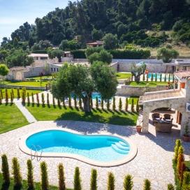 Почивка в Nefeli Villas & Suites, Халкидики - Касандра, на цена от 89.40 лв.