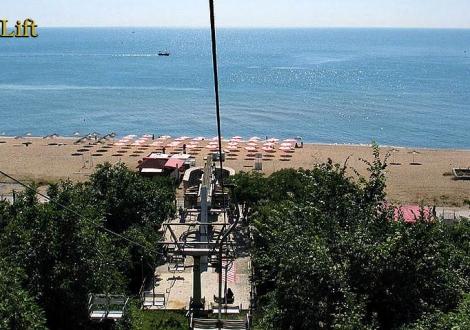 В края на лятото почивка в любим хотел - Бона Вита Златни Пясъци! Нощувка на база All inclusive + басейн, чадър и шезлонг на плажа!!!