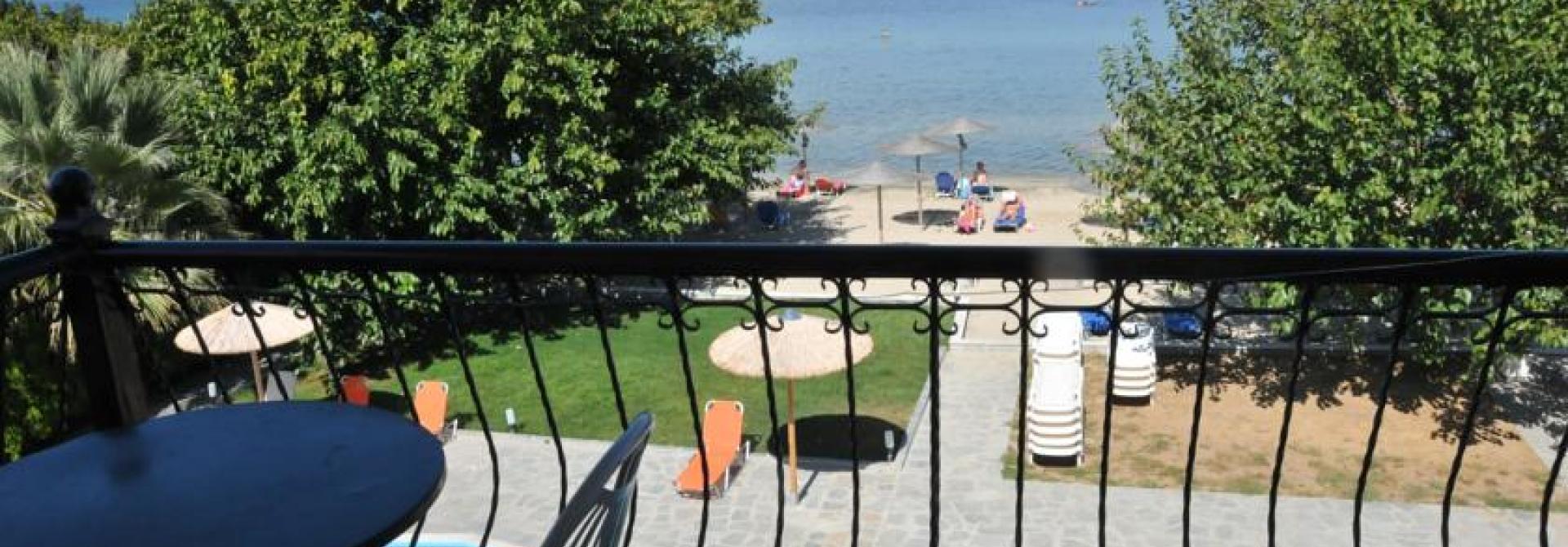 Почивка в Sunrise Beach, Skala Rachoniou, на цена от 75.20 лв.