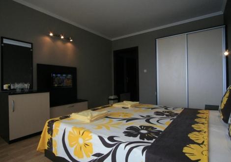 Хотел Адена Черноморец