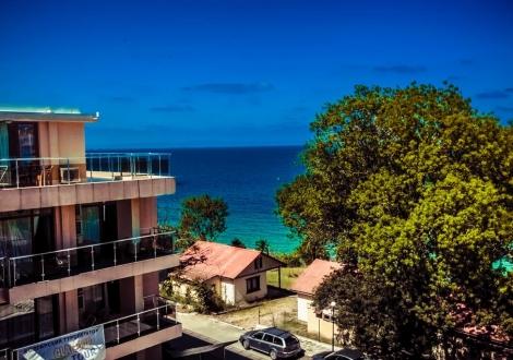 Невероятна оферта от хотел Мурите Бийч Черноморец! Нощувка на база All inclusive light + собствена плажна зона с чадъри + ползване на два басейна с шезлонги на цени от 30лв. на човек!!!!!!