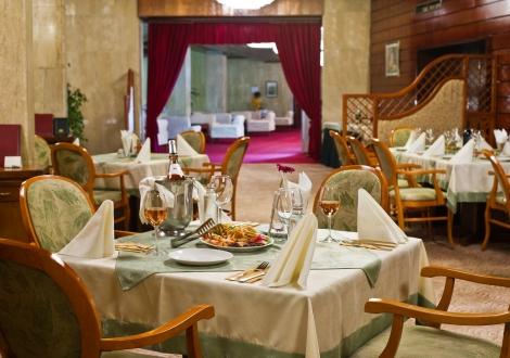Хотел Свети Врач Сандански