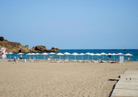 Лято на 100 метра от плажа в невероятният хотел Саут Бийч Царево! Нощувка на база Аll inclusive + чадър и шезлонг на плажа + дневна и вечерна анимация и шоу програми!!!!