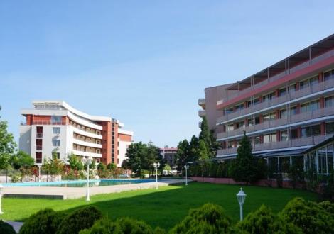 Хотел Арония Бийч