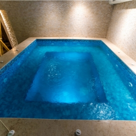 Пълноценна почивка и пълен релакс  в Павел Баня - Хотел Аризона***! Нощувка със закуска, обяд и вечеря + джакузи, сауна и парна баня на цени от 33лв. на човек!!!