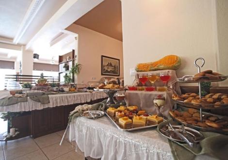 Sarantis Hotel