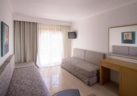 Apanemia Hotel