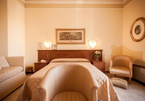 REGINA GRAND HOTEL