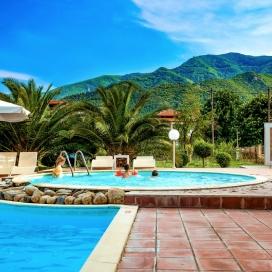 Почивка в Stavros Beach Hotel, Халкидики, на цена от 44.20 лв.