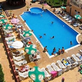 лятна почивка в хотел Кокиче *** Слънчев бряг! Нощувка със закуска и вечеря + басейн с чадър и шезлонг!!!