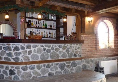 Зимна ваканция в Добринище - Хотел Друм! Нощувка със закуска и вечеря + отстъпка за градски минерален СПА комплекс  ALFA SPA и отстъпка за лифт карта на супер цена!