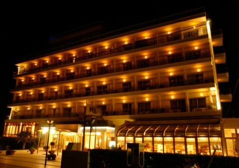 Почивка в Santa Beach Hotel, Халкидики, на цена от 54.20 лв.