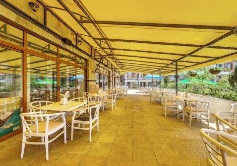 ПРОМО ОФЕРТА В хотел Феста Гардения Хилс! Нощувка на база All inclusive + басейн с чадър и шезлонг + детска анимация и транспорт до плажа!!