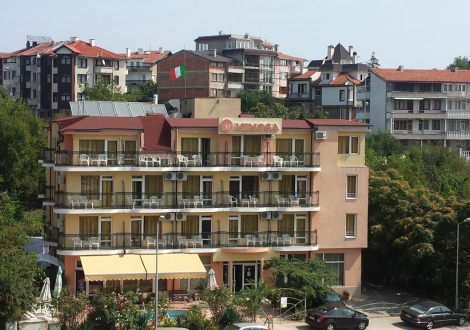 Хотел Мимоза