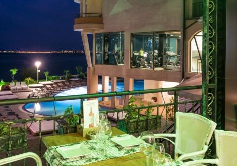 Приказен Великден на брега на морето - Гранд хотел Свети Влас 4* ! Нощувка в стая лукс със закуска, обяд и вечеря + Спа център, релакс зона и закрит басейн!!!