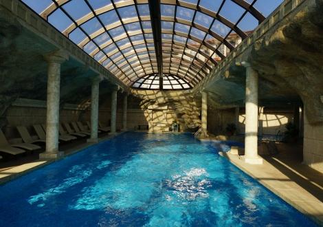 ПОЧИВКА В Комплекс СТАРОСЕЛ! Пакети с включени закуски и вечери, басейни с минерална вода и ползване на СПА център + БОНУС - Винен тур