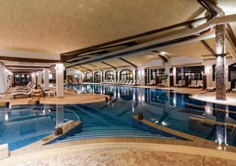 SPA почивка в Комплекс СТАРОСЕЛ! Пакети с включени закуски и вечери, басейни с минерална вода и ползване на СПА център + БОНУС - Винен тур