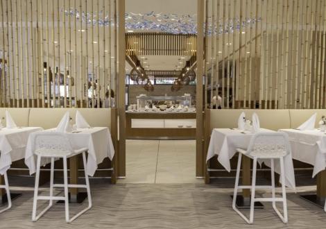 Ранни записвания за почивка на първа линия в перлата на Албена - хотел Парадайс Блу *****! Нощувка със закуска и вечеря + частен плаж с чадър и шезлонг + детски басейн с водни атракции + анимация!!!