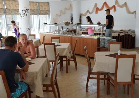 ЛЯТНА ПОЧИВКА В хотел Рио Гранде 4* Слънчев бряг! Нощувка на база Аll inclusive + открит басейн с чадър и шезлонг + детска и вечерна анимация!!!