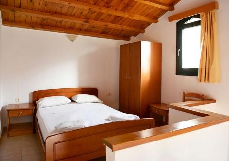 Почивка в Хотел Petra Village, о. Крит, на цена от 16.20 лв.
