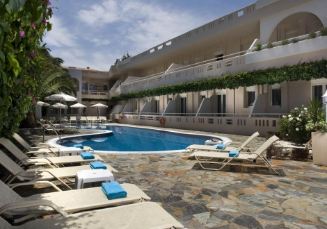 Почивка в Хотел Axos, о. Крит, на цена от 42.10 лв.