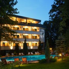 Лято в Китен на метри от плажа - хотел Елмар *** ! Пакети със закуска и вечеря + ползване на външен басейн !