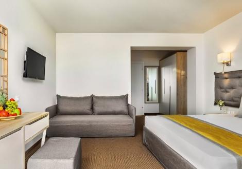 Почивка в Kriopigi Hotel, Халкидики, на цена от 53.20 лв.