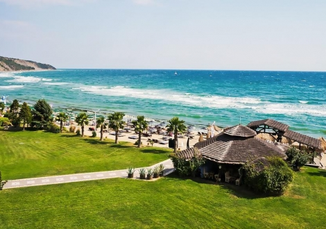 Лято 2018г. в хотел Андалусия**** Елените! Нощувка на база All inclusive + чадър и шезлонг на плажа и басейна + безплатен вход за Аквапарк!!!