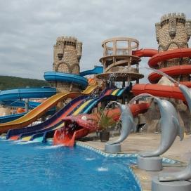 хотел Андалусия**** Елените - Нощувка на база All inclusive + чадър и шезлонг на плажа и басейна + безплатен вход за Аквапарк!!!
