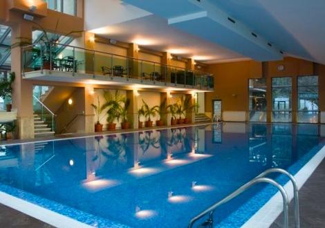 ПРОЛЕТ В хотел Велина**** ВЪВ ВЕЛИНГРАД! Нощувка със закуска + ползване на открит и закрит басейн + спа център със 17% намаление!
