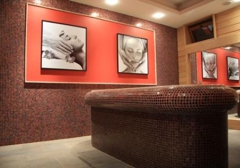 СПА ПОЧИВКА В Хотел Делта Огняново! Нощувка със закуска + минерални басейни, сауна, джакузи и парна баня на топ цени!!!