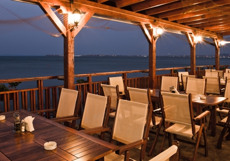 Специална оферта от петзвездният хотел Райска Градина ***** Свети Влас за престой до края на май! Нощувка със закуска и вечеря + вътрешен басейн на цени от 46лв. на човек