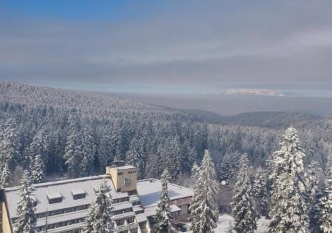 Хотел Ела в Боровец - почивка в идеалния център! Нощувка със закуска и вечеря + бонус всяка трета нощувка е безплатна!