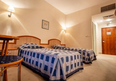 Хотел Лилия**** на  първа линия в Златни пясъци, с невероятна морска гледка*! All Inclusive на страхотна цена!